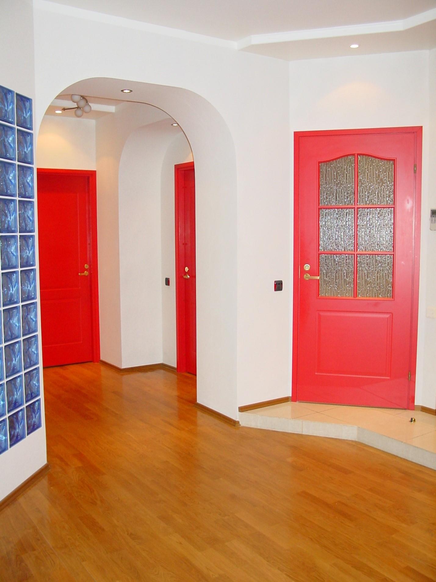 Покраска старых дверей в квартире своими руками
