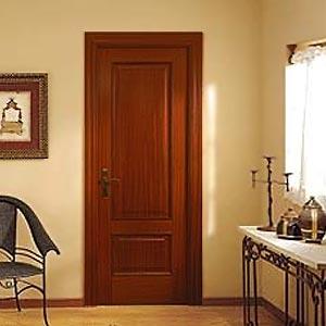 Филёнчатые межкомнатные двери от производителя купить недоро.