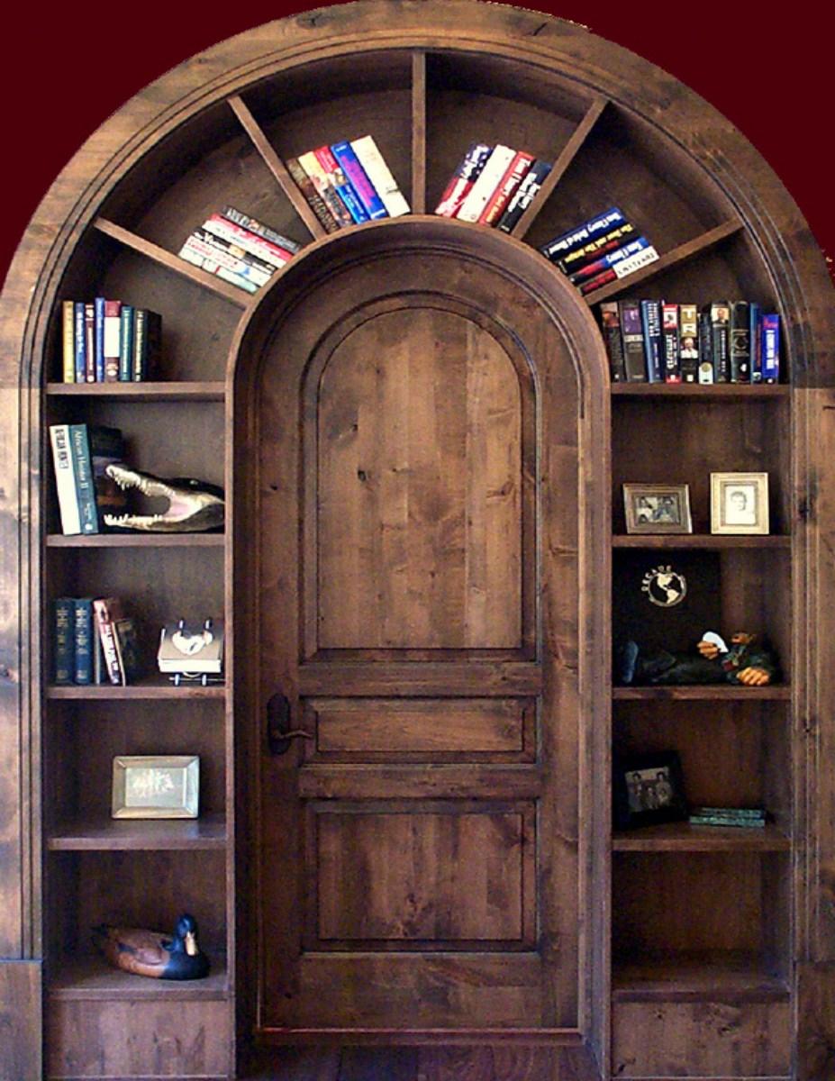Книжные полки вокруг двери / разное / домашние поделки / pin.